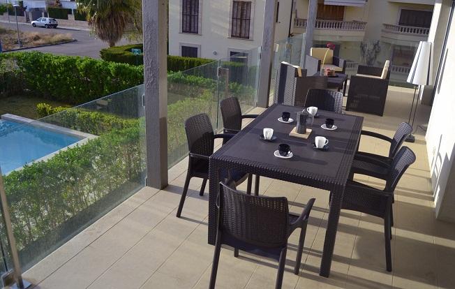 parasol property rentals, Jan Dexter, apartment, swimming pool, terrace. Mallorca, Puerto Pollensa