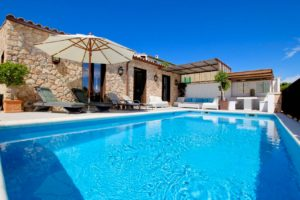 #luxuryvillatorent #luxury #4bedroomvilla #rentinmallorca