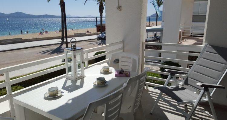 Stunning 2 bedroom sea view holiday rental apartment in Puerto Pollensa Mallorca