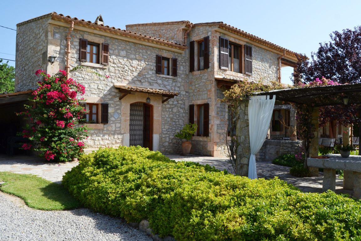 luxury villa for sale in Binissalem Mallorca