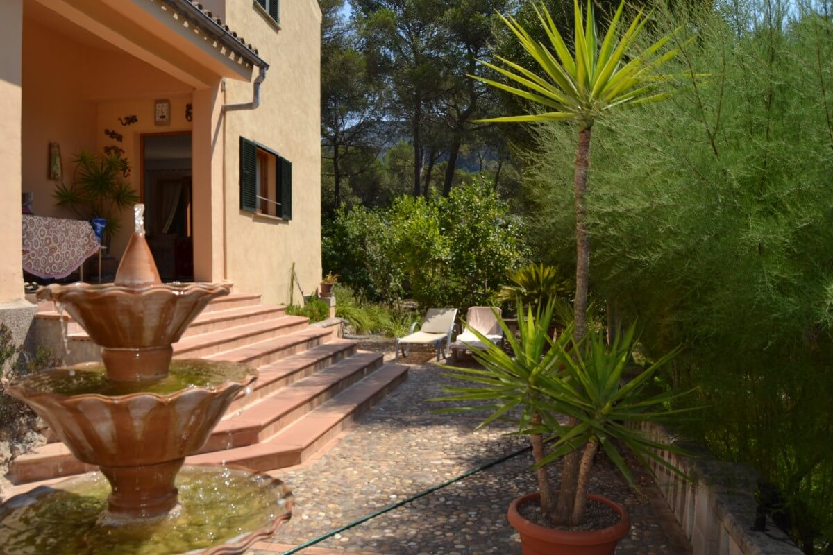 Large family home for sale close to Pollensa Mallorca