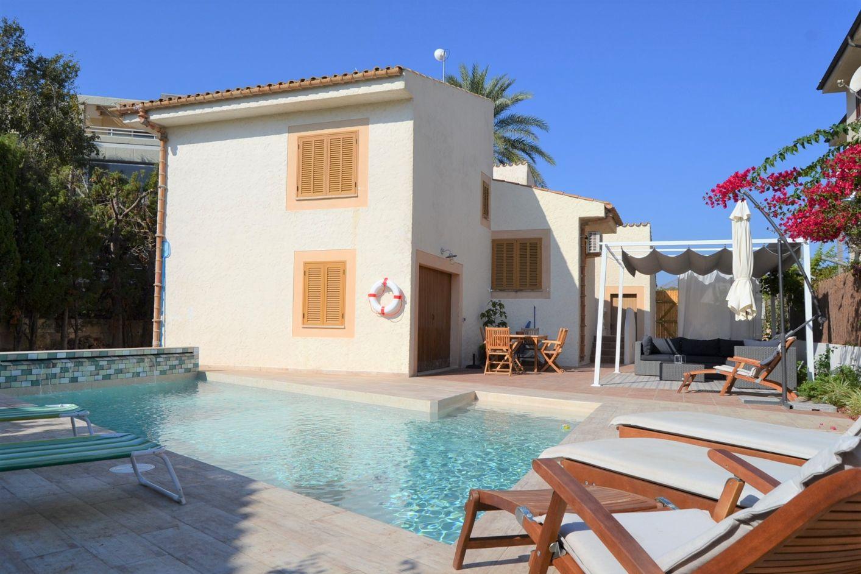 Casa Alexander large family holiday villa to rent Puerto Pollensa close to beach