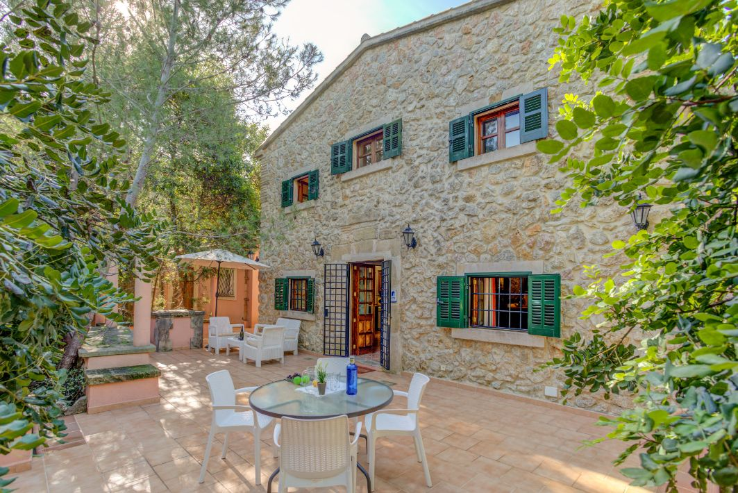 Charming stone villa with swimming pool Pollensa town Mallorca Can Plomer