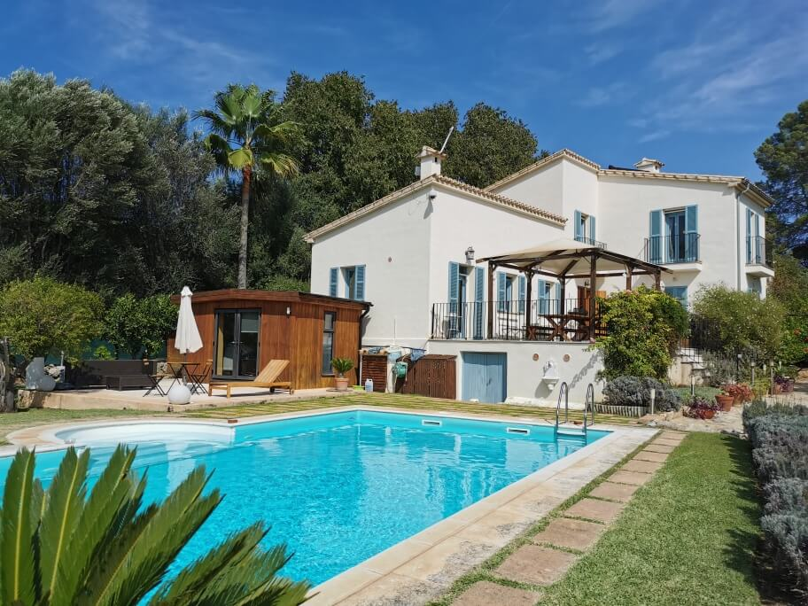 Beautiful family home with pool for sale Campanet Mallorca