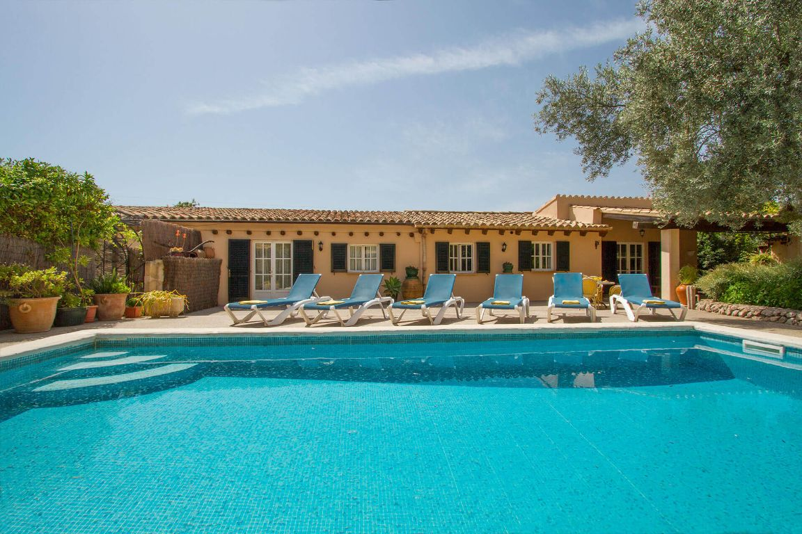 holiday villa with character Puerto Pollensa mallorca