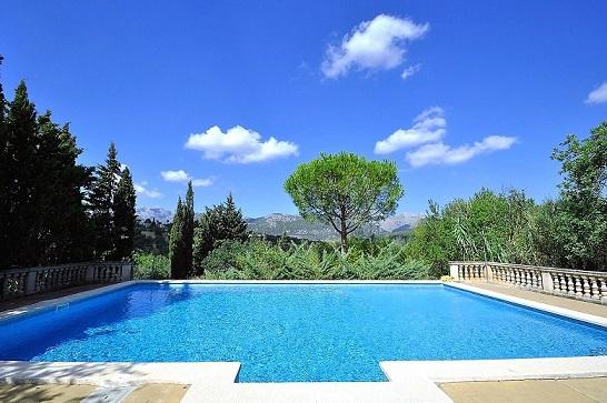 Sa Costa d´Ullaro large holiday villa rental Campanet Mallorca Huge Secure Pool