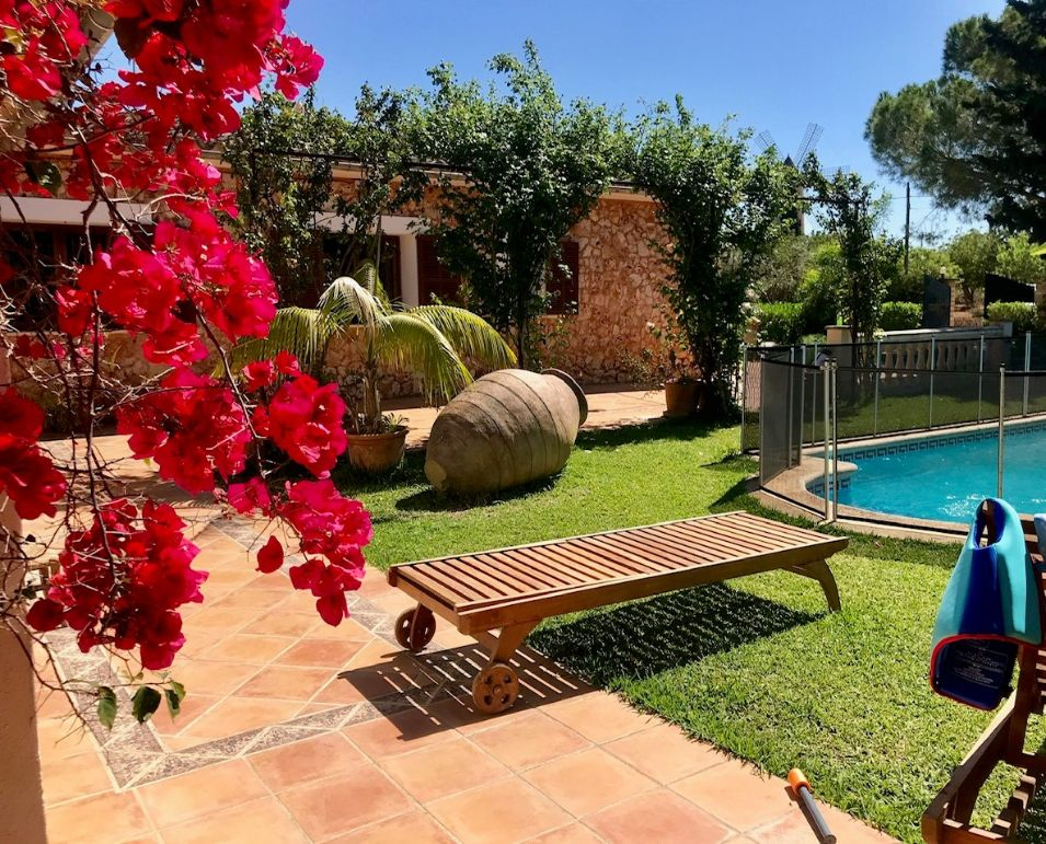Long summer stay in beautiful country house Santa Maria Mallorca