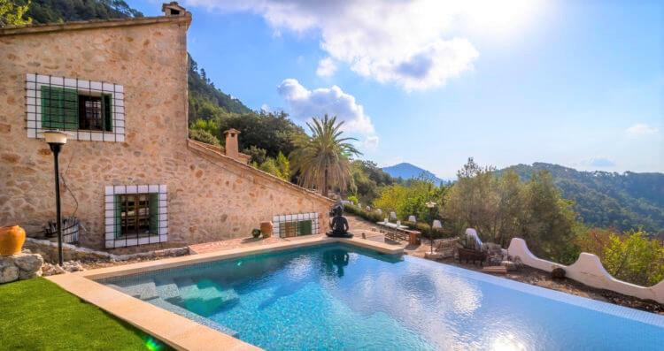 Luxury holiday rental in Esporles Mallorca