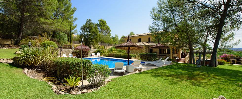 Villa Jacellia spacious family villa with large pool and gardens outside Pollensa Mallorca
