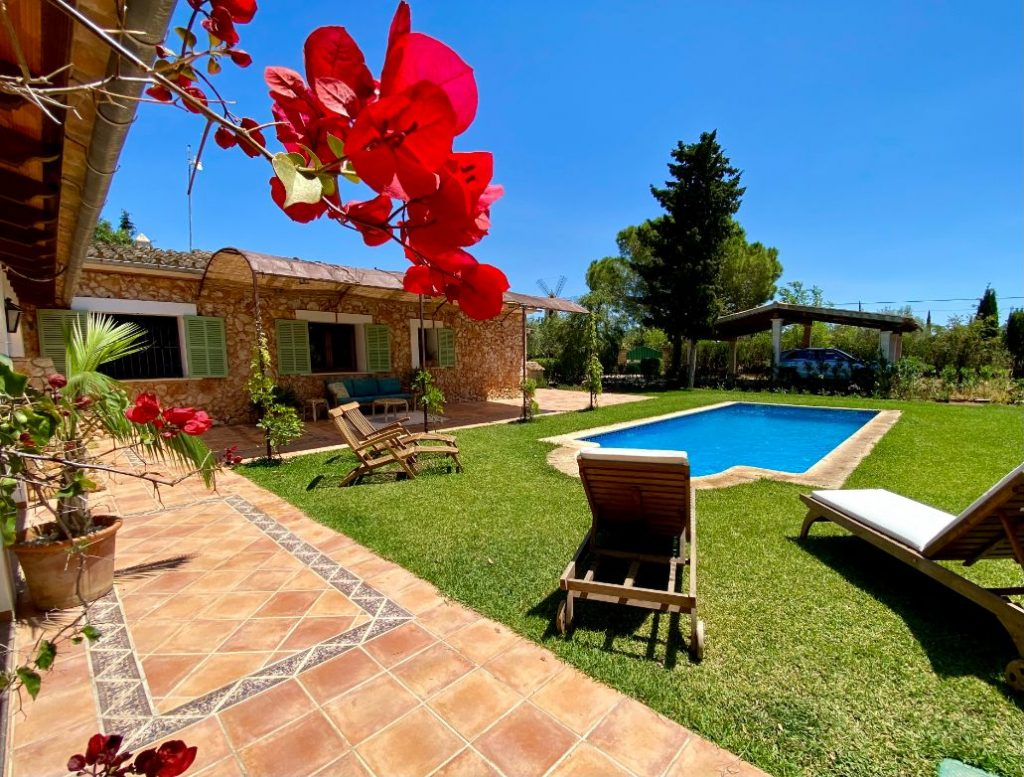 August in beautiful country house Santa Maria Mallorca