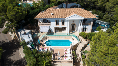 Luxury 5 bedroom sea view holiday villa with many extras Portals Nous Mallorca