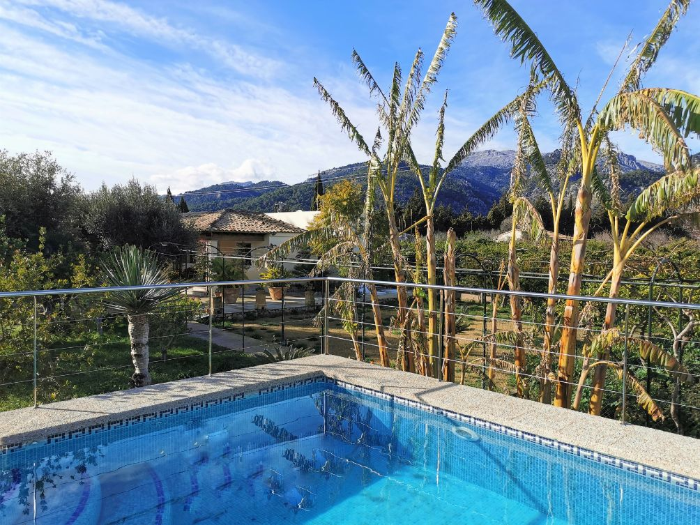 Pretty economical holiday cottage with pool in Selva Mallorca