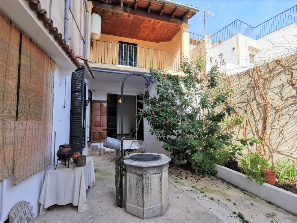 Annual rental in historical Pollensa Town Mallorca