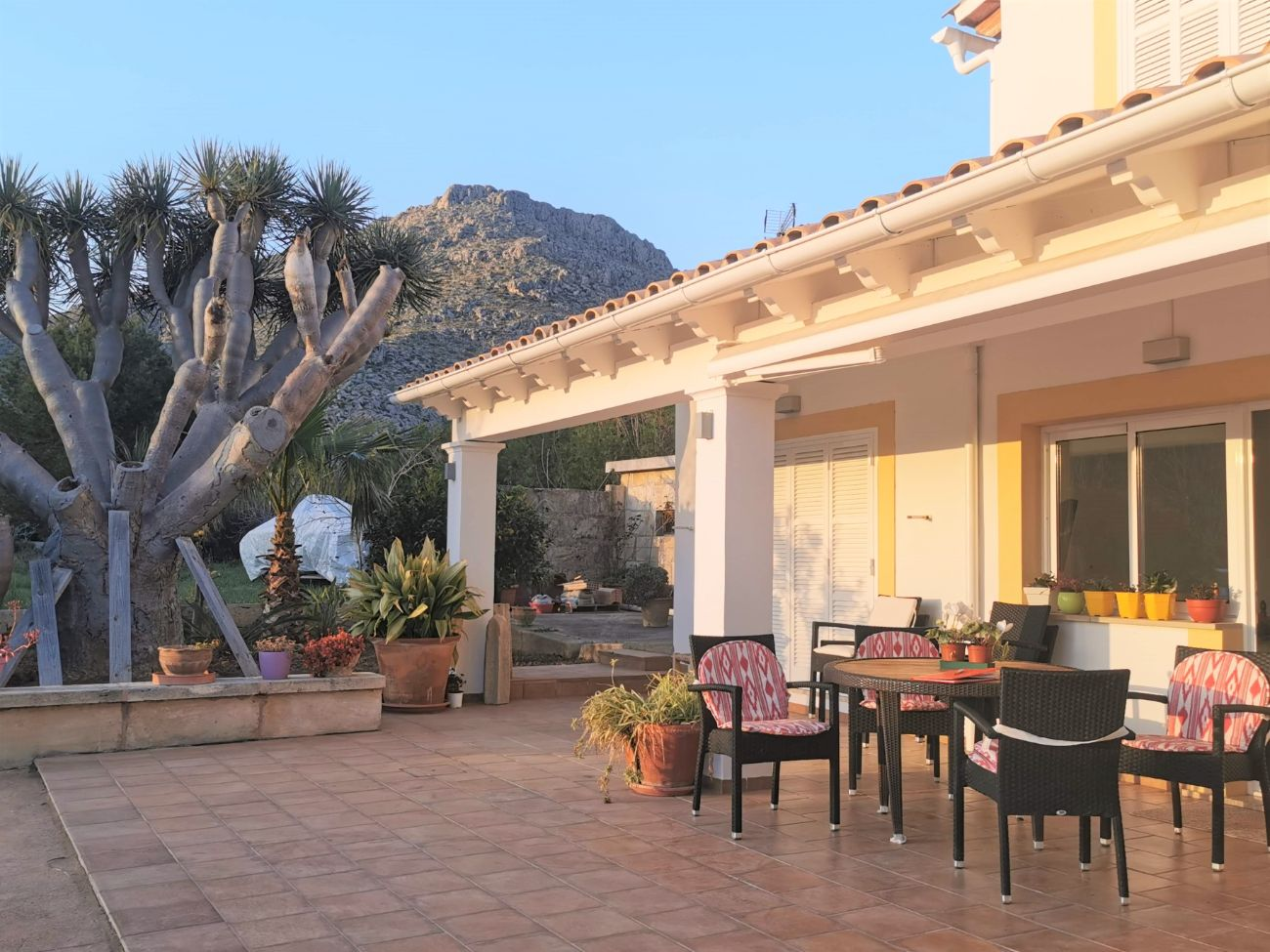 Stunning 4 bedroom modern villa for annual rental Puerto Pollensa Mallorca close to beach