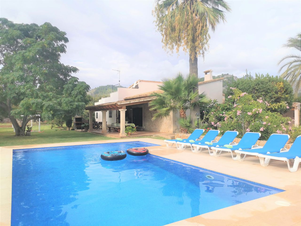 Family holiday villa walking distance to Pollensa Mallorca