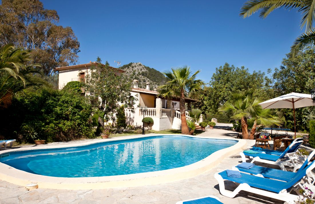 Modern large holiday villa rental in Pollensa Mallorca