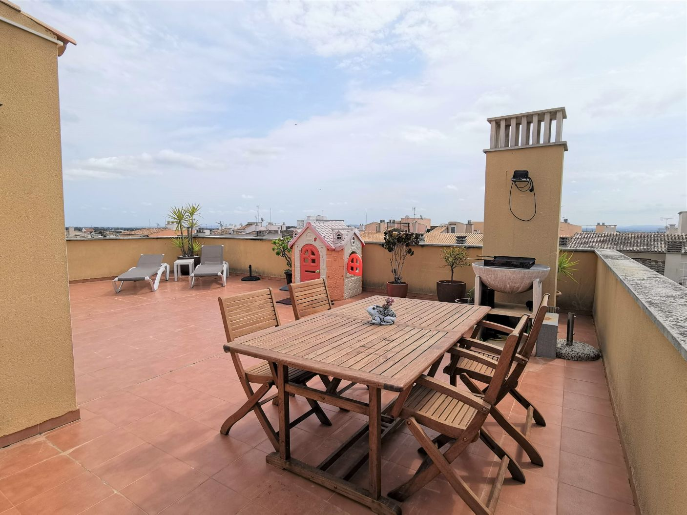 Modern apartment for sale in Binissalem Mallorca with roof terrace