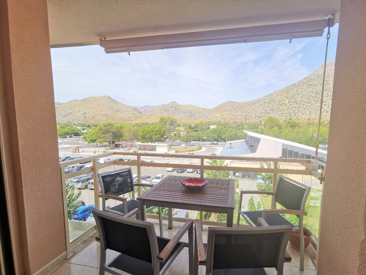 Immaculate 2 bedroom apartment with parking for sale Puerto Pollensa